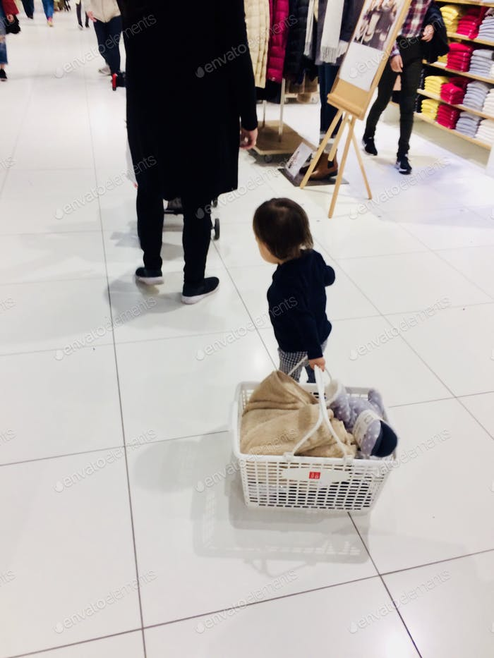 Toddler's Retail Shopping !!?