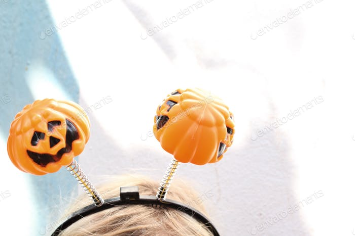 Minimalist Halloween pumpkins