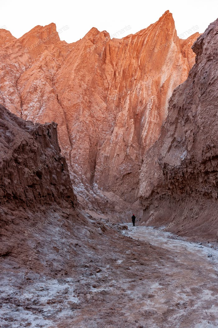 Licht der Morgendämmerung an den Wänden des Cari Canyon - Atacama Desert - Chile