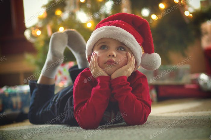 Santa hat thinking