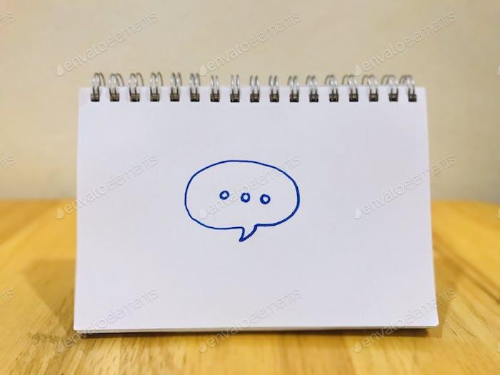 La comunicación es el acto de transmitir significados de una entidad o grupo a otra a través del uso