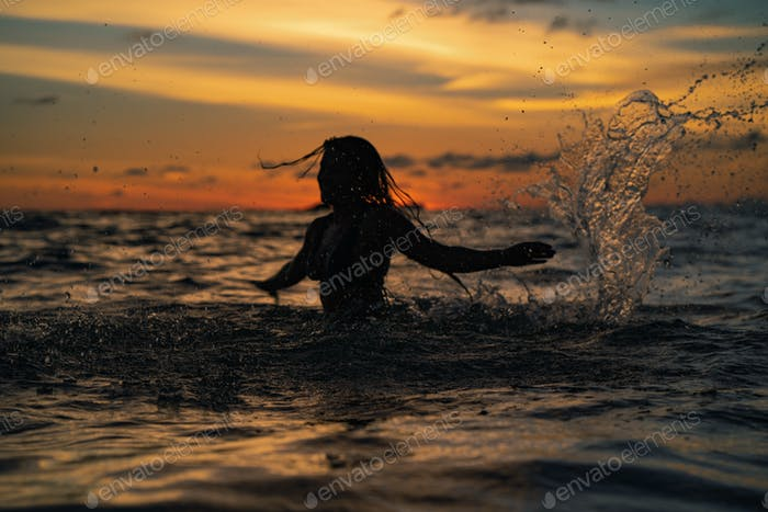 Welt-Ozean-Tag. Rette die Ozeane!