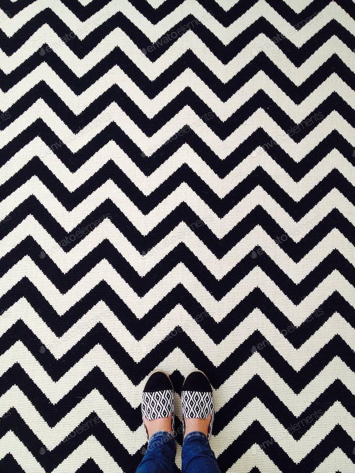 Black and white minimal chevron pattern