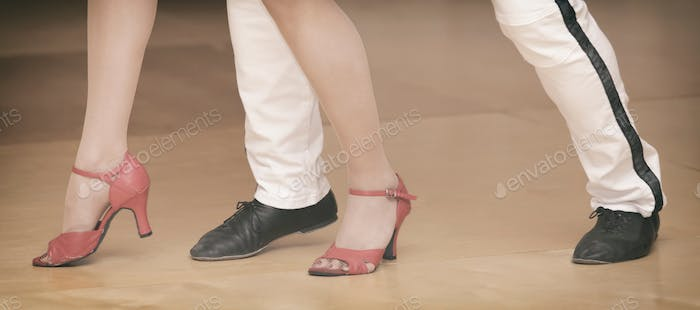 Dancing couple (nominated on Nov 20)