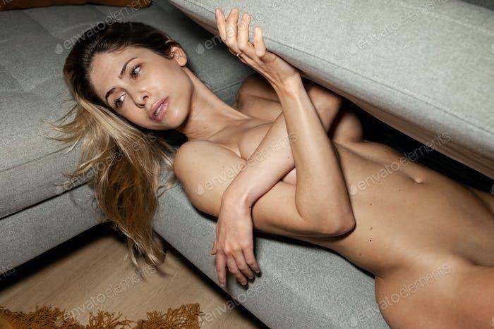 Unter 18 frauen nackte Best porn