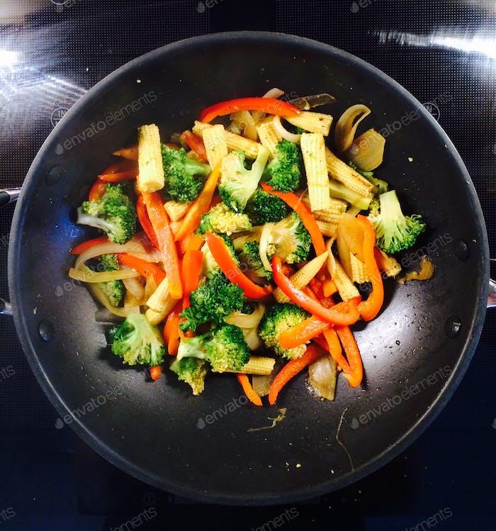 Veggie stir-fry in the wok