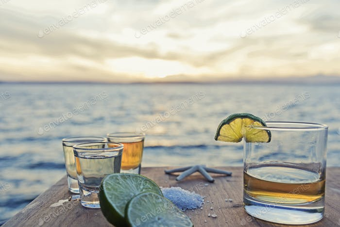 Tequila seaside table