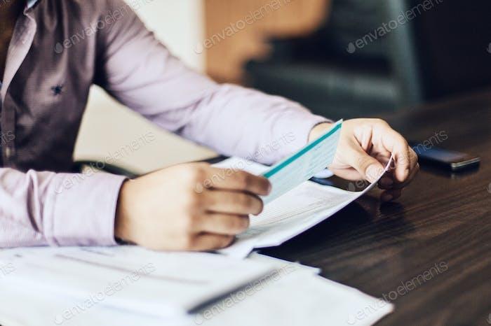Überprüfung von Dokumenten