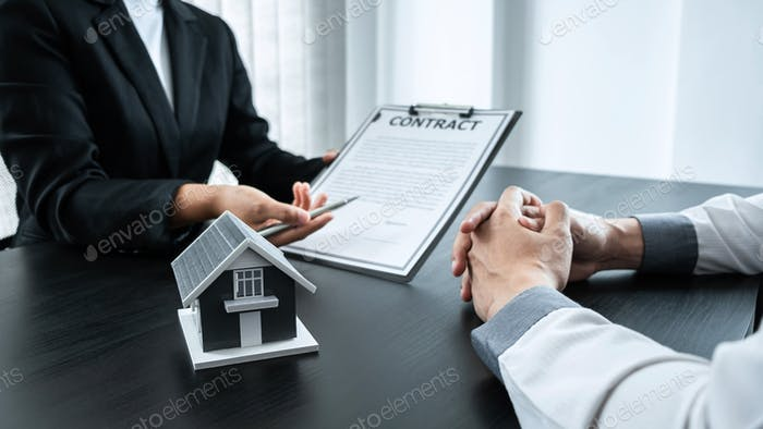 Estate agent broker presentation to client decision signing agreement contract real estate