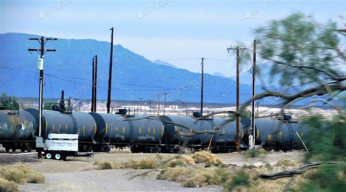 Gas- und Öltransport und Logistik in der Wüste