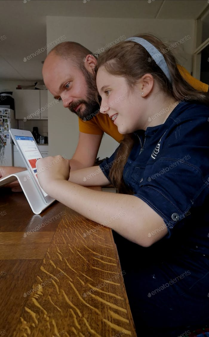 Digitale research father and daugther