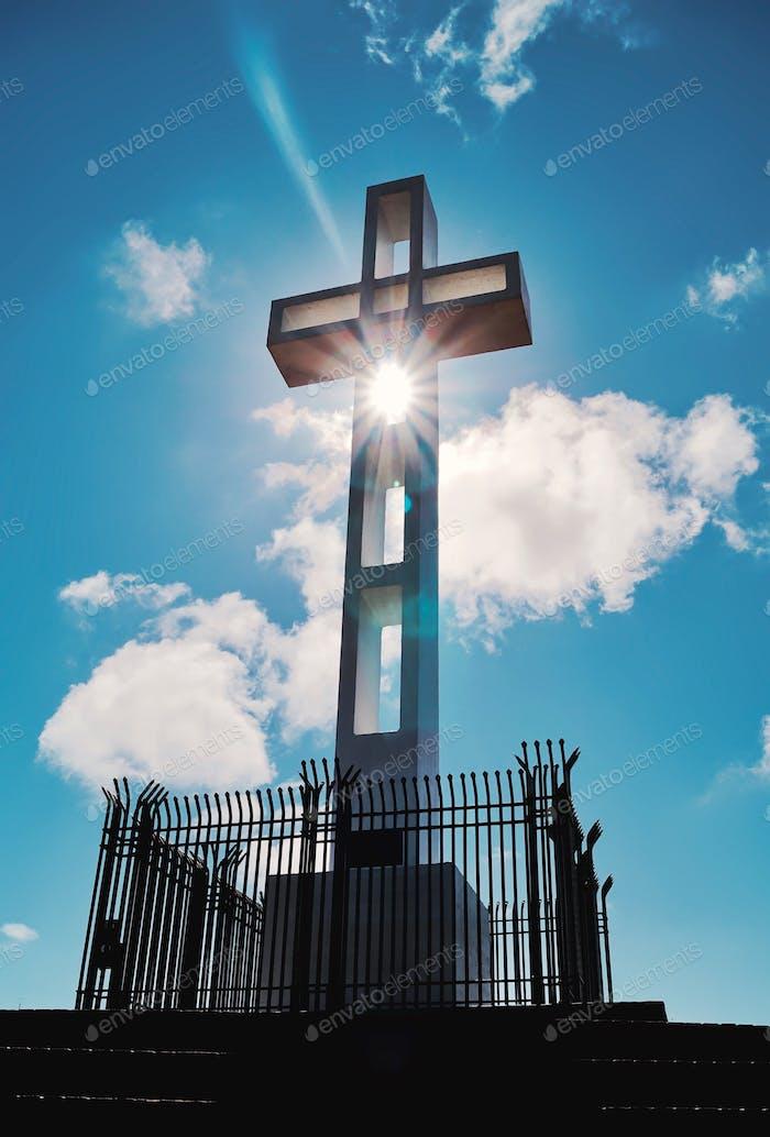 Veterans memorial cross