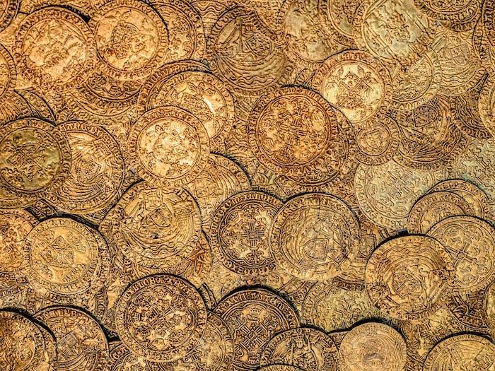 Gold! Diese Goldmünzen befinden sich im British Museum, London, und stammen aus dem 15. Jahrhundert