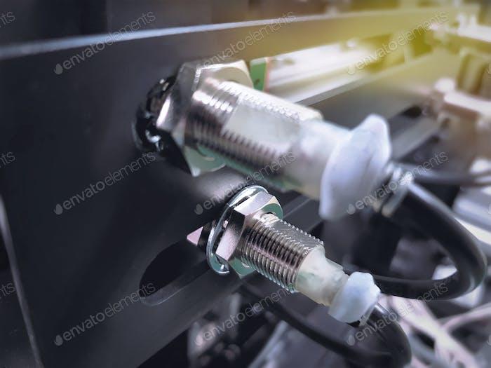 Proximity Sensor on Machine to Detect Moving Metal Parts
