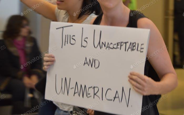 Manifestante. Inmigración no americana
