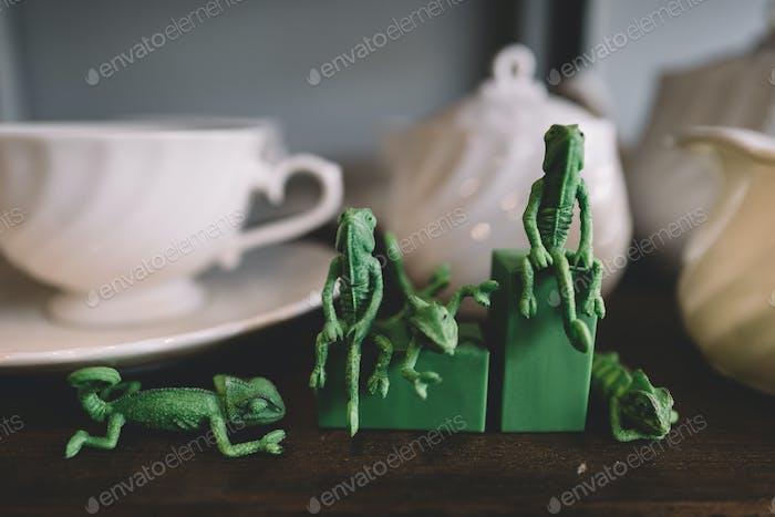 chameleon toy figure