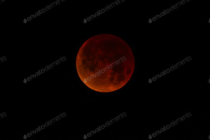 Super Blue Blood Moon total lunar eclipse in Phoenix, Arizona on January 31, 2018