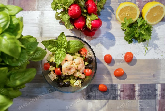 Shrimp, Vegetable and Basil Salad