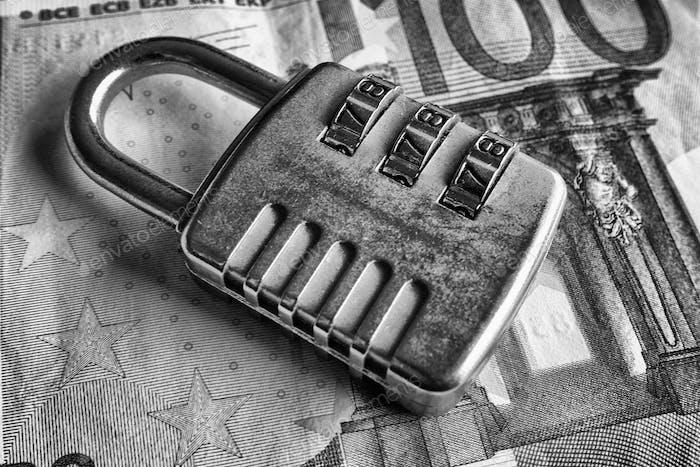 Dinero seguro - blanco y negro