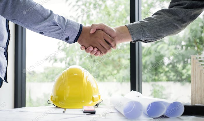 Shaking hands of collaboration
