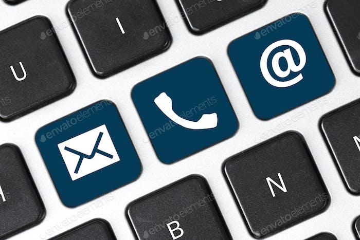 Contacte con nosotros en la tecla del teclado. Internet o contacto en línea a través del sitio web.