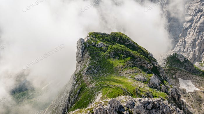 Schöne Landschaft in den Bergen der Julischen Alpen in Slowenien.