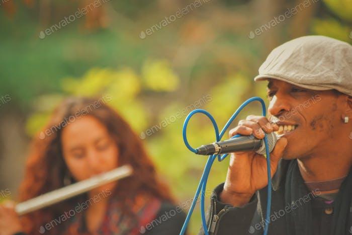 Vocalista en acción