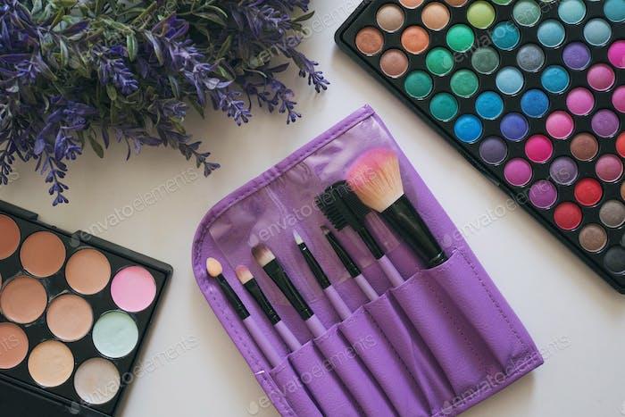 Makeup artist's brushes