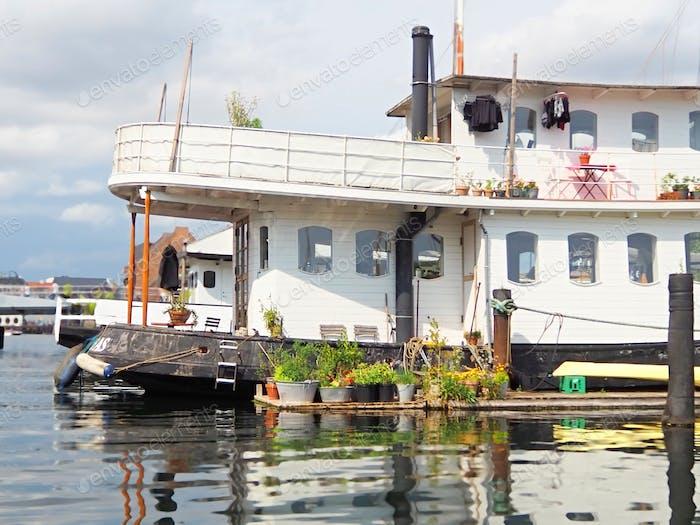 Boat house in Copenhagen, outdoor living space.