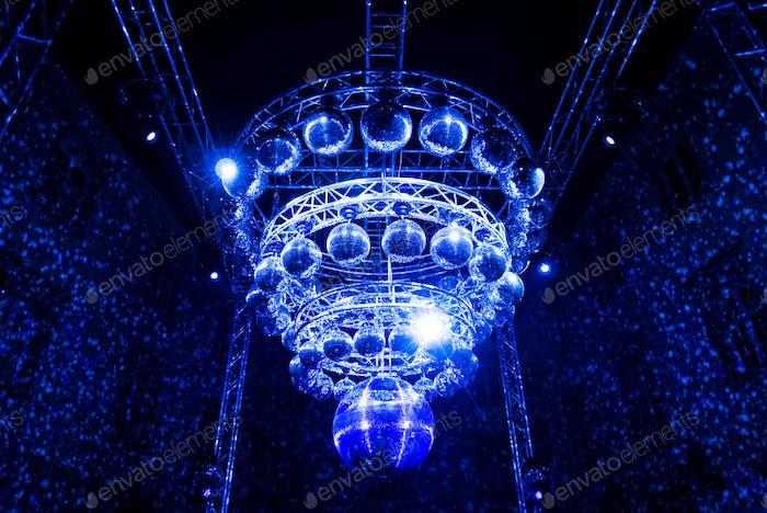 Blaues Licht, Discobälle, Beleuchtung