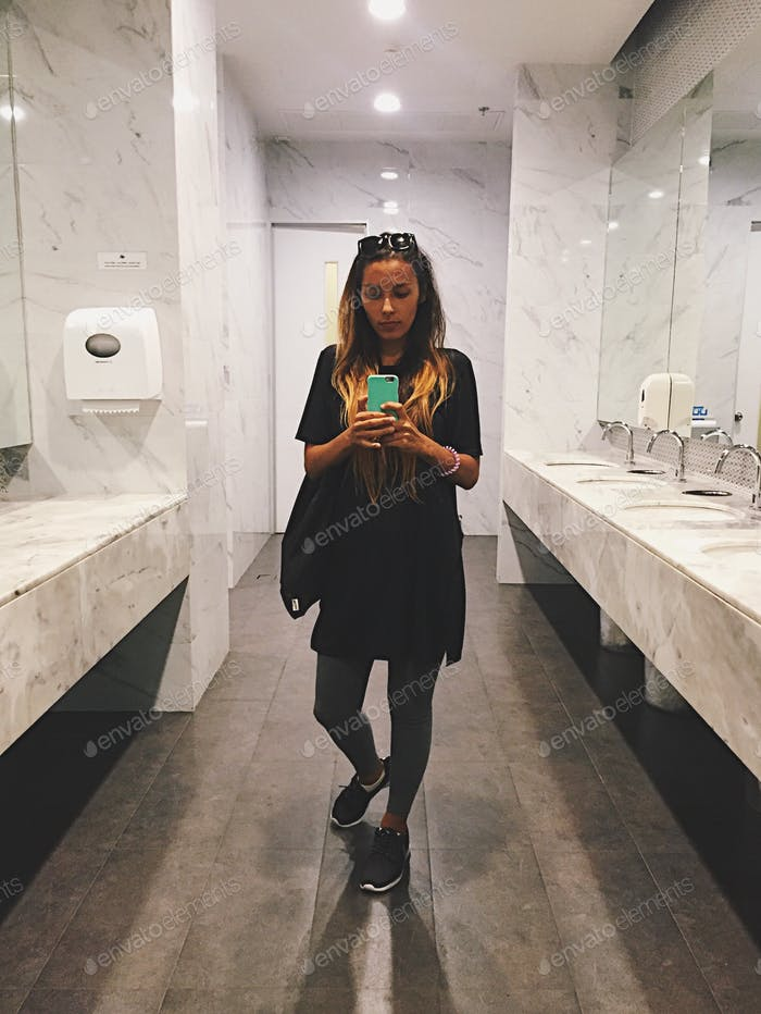 Selfie at the toilet