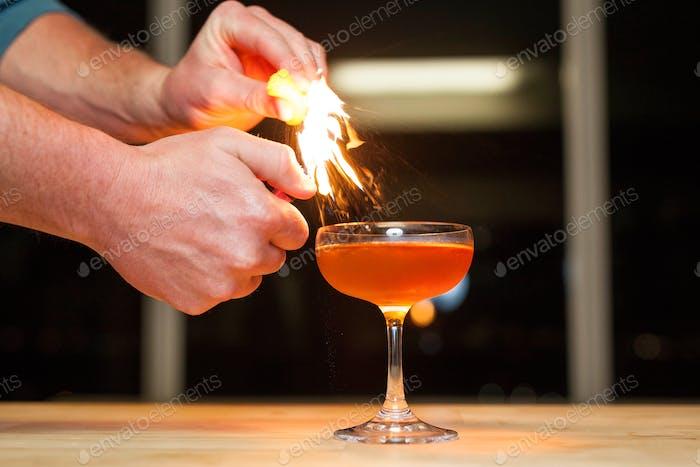 Orangenschalen Öl Funken