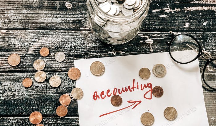 Arbeitsprozess mit Betrag und Kontobuchhaltung finanziert finanzielle Cents