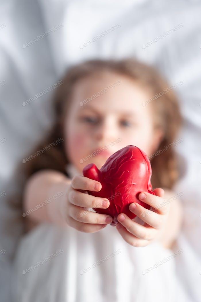 Ein Mädchen mit Herz