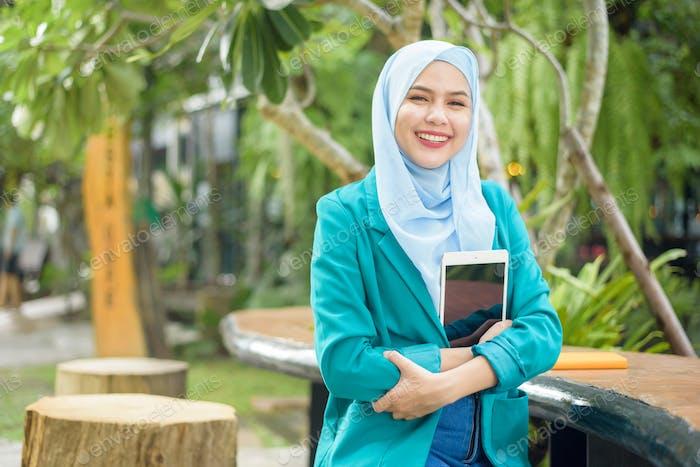 Mujer musulmana de negocios