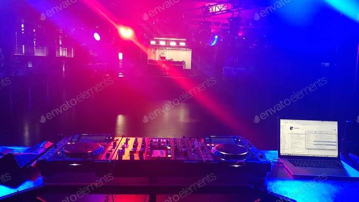 Playing music set at the night club