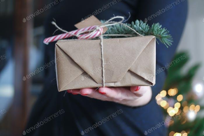 Geschenk und Geschenke gegeben