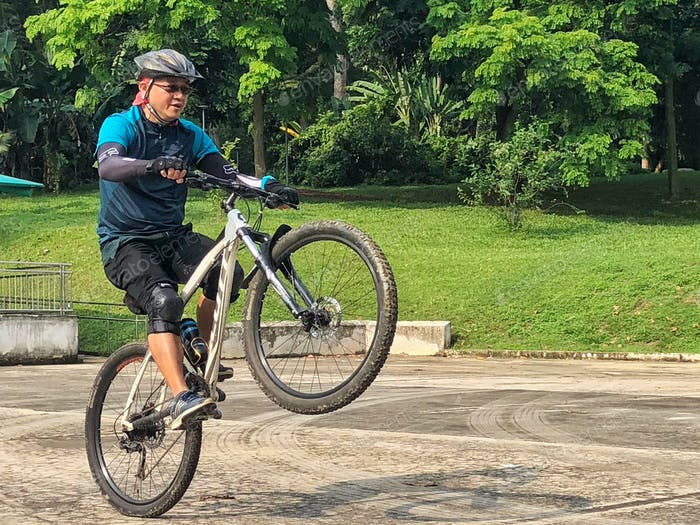 Learning to do a hard task on MTB