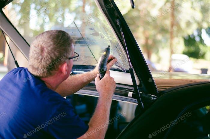 Entfernen von Fensterfolie des Autos.  Nominiert 😘