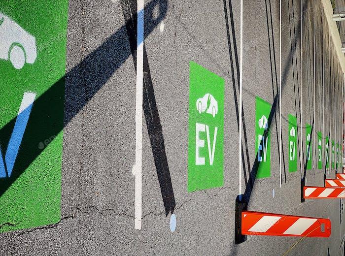 Elektrofahrzeuge laden