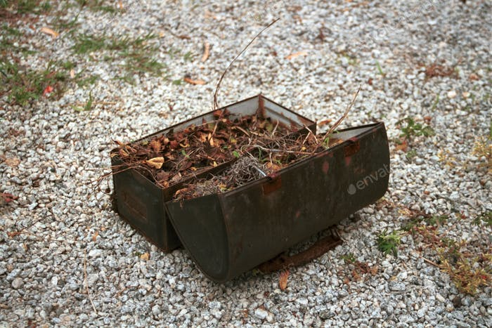 A rusted lunchbox