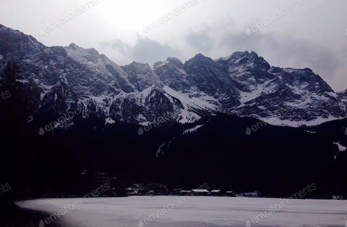 Zugspitze und Eibsee