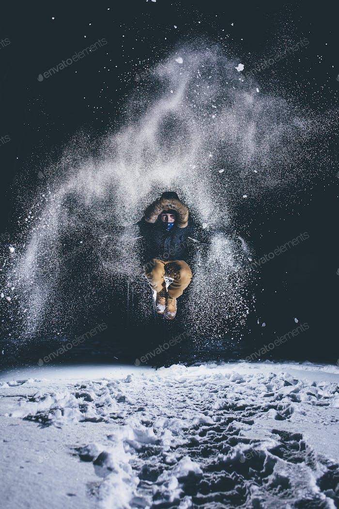 Snow fly