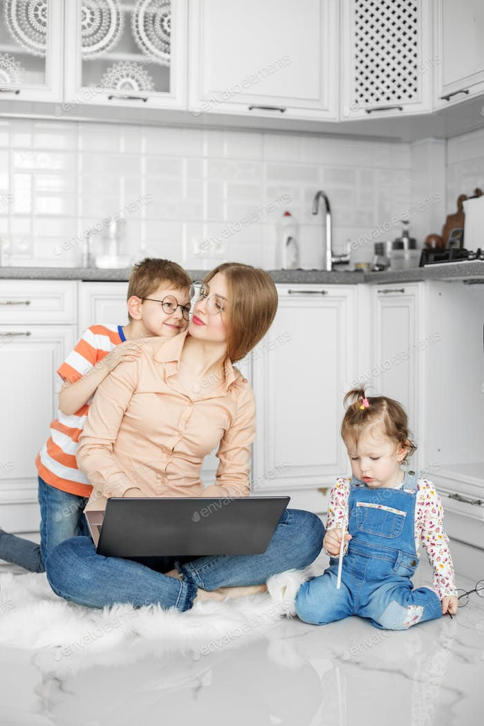 Home Office. Online training courses. Freelancer. Work on maternity leave.