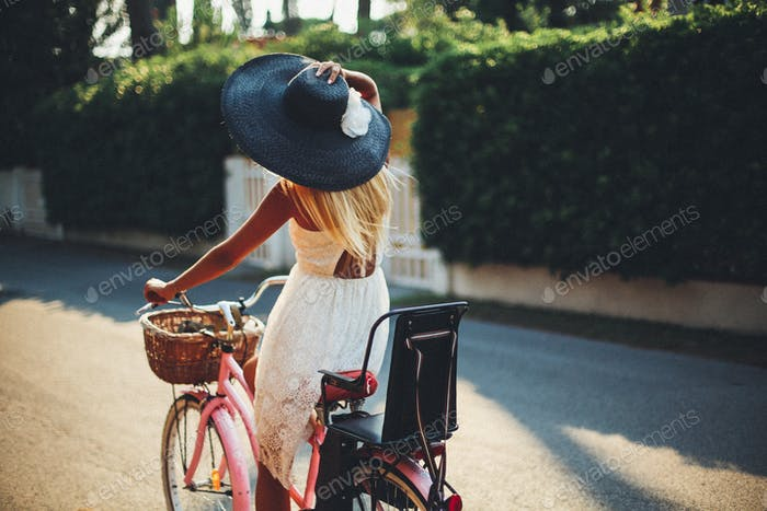 Lady on the bicycle