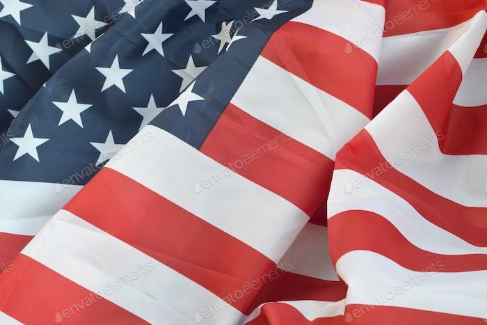 Vereinigte Staaten von Amerika wehende Flagge mit vielen Falten