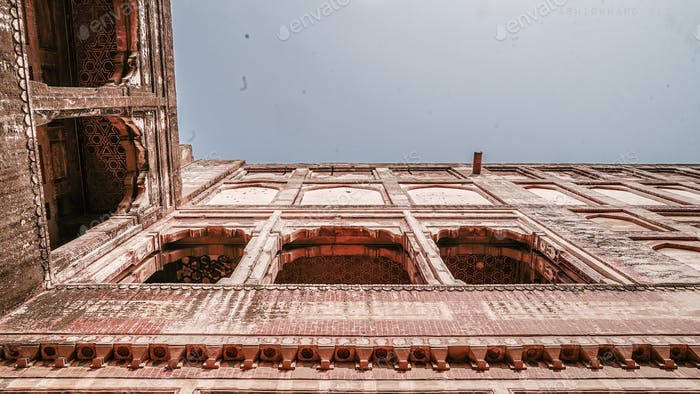Lahore Fort The fort was modified by Jehangir in 1618 and later damaged by the Sikhs and the