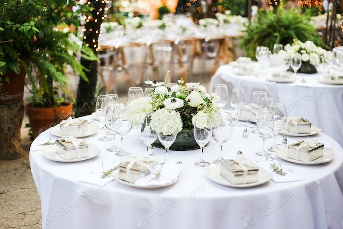 Details from an outdoor wedding