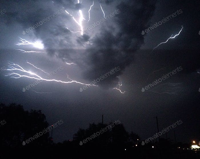 Aufhellender Sturm