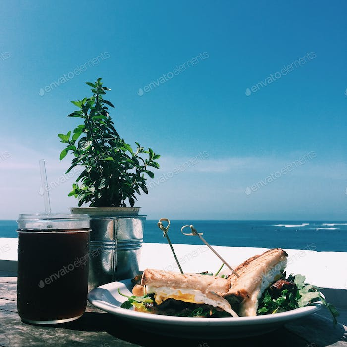 Brunch with a Maliview